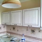 Кухни с фасадами из дерева